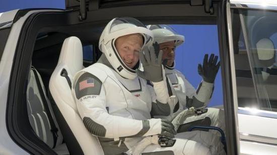 Nouvelles - DIRECT. Suivez le lancement du premier vol habité de la capsule de SpaceX vers la Station spatiale internationale